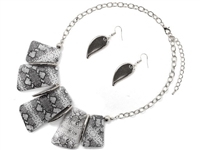 Unique & Stylish Snake Skin Print Stone & Winged Charms Silver Necklace Set