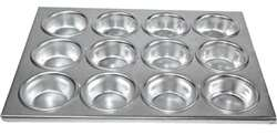 Winco 12 Compartments Muffin Pan - Aluminum, (AMF-12)