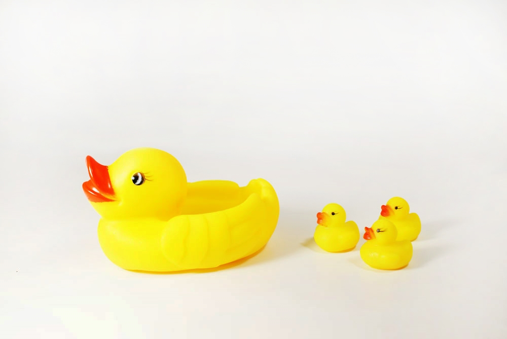 Baby Child Bathing Tub Squeaky Toys Rubber Ducky Race Ducks ...