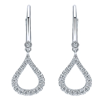 Delicately hanging from 14k white gold, dazzling diamonds glisten in this luxurious classic in this hanging daimond drop earrings.