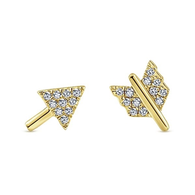 14k yellow gold diamond arrow stud earrings.