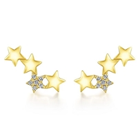 This 14k yellow gold diamond star stud earring comes with round brilliant diamonds.