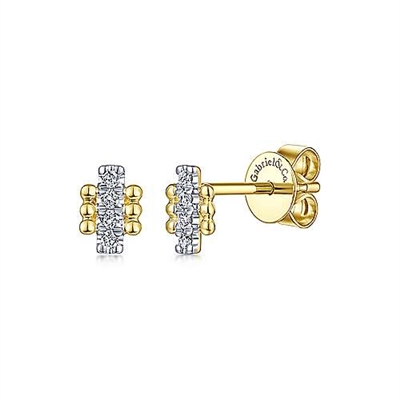 This 14k yellow gold pair of earrings feature a beaded bar in diamonds.