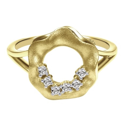 This naturally inspired 14k yellow gold open flower diamond ring shows off with round diamond accents.