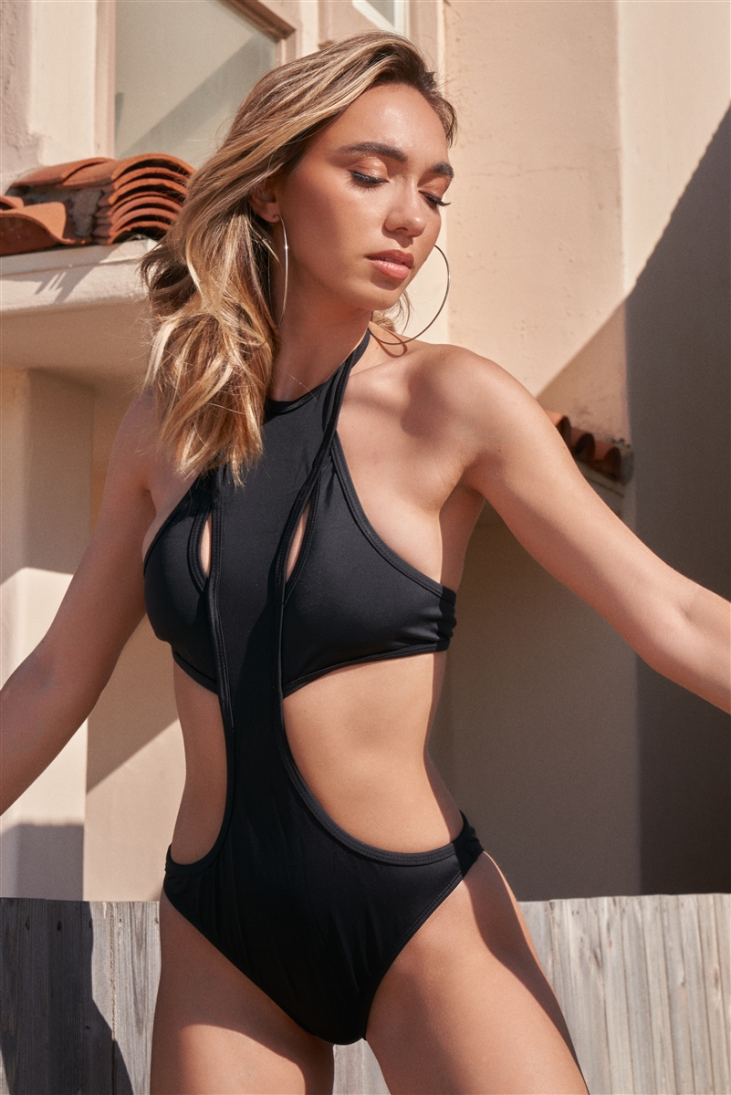 Black Sexy High Neck Cut-Out United Front Detail Separated Back One-Piece Swimsuit /1-2-2