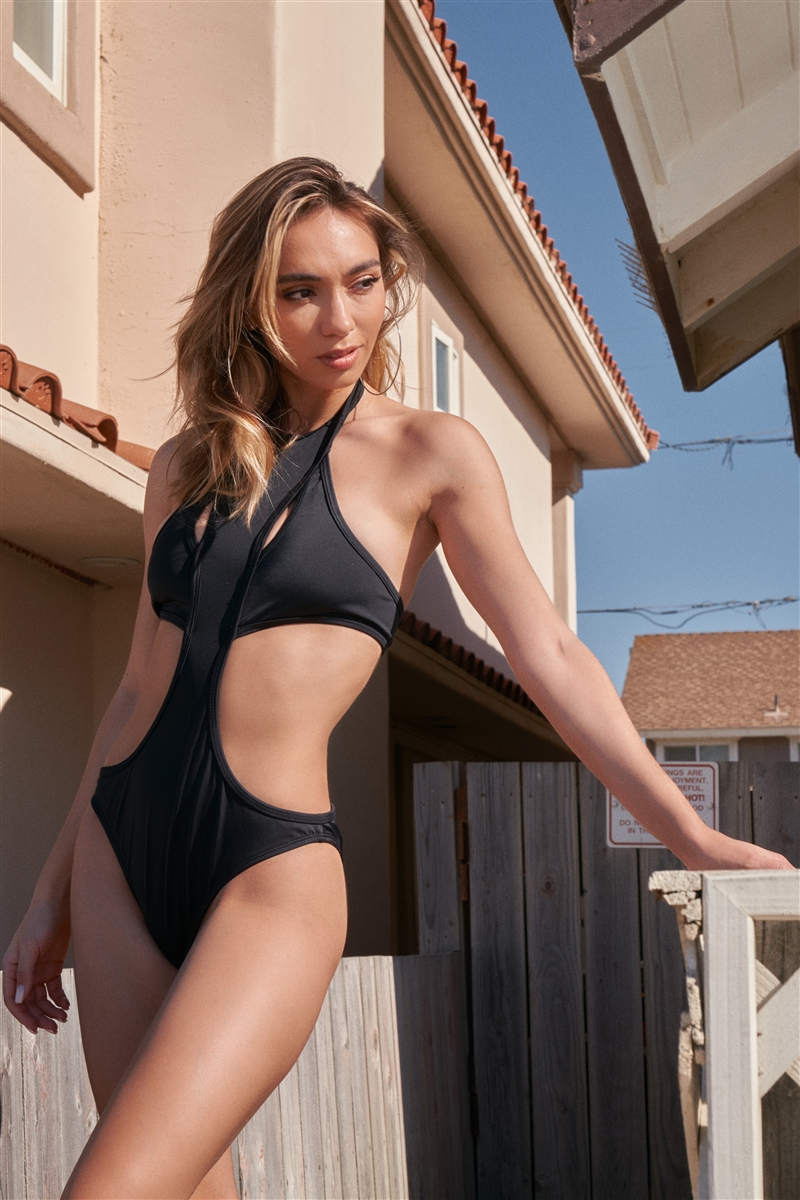 Black Sexy High Neck Cut-Out United Front Detail Separated Back One-Piece Swimsuit