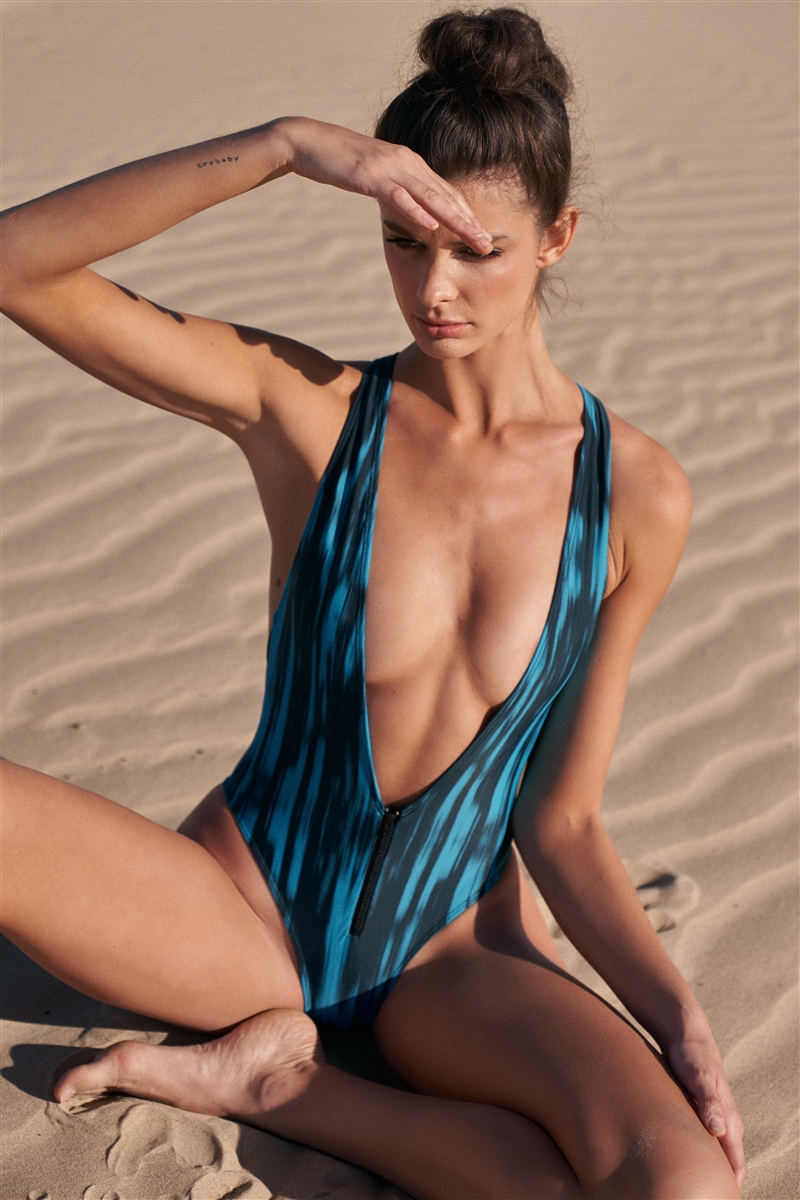 Black & Blue Waterfall Print Deep V-Neck With Zip High-Leg Double Criss-Cross Strap One-Piece Swimsuit /2-1-3