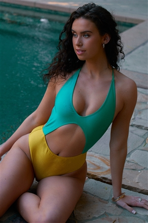 Yellow & Sea Foam Green Color Block V-Neck Front Cut-Out Open Back High-Leg One Piece Swimsuit /2-2-1-1