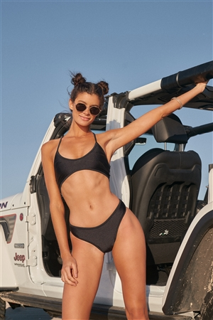 Black Soft V-Neck Strappy Back Sporty Top & High-Leg Bikini Bottom Two-Piece Swimsuit /2-2-1-1