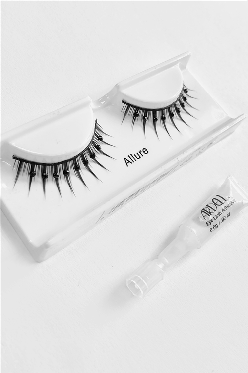 Black Tie Rhinestone False Eye Lashes /6 pairs