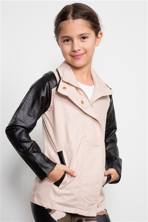 Girls Ivory And Black ColorBlock Sleeves Jacket