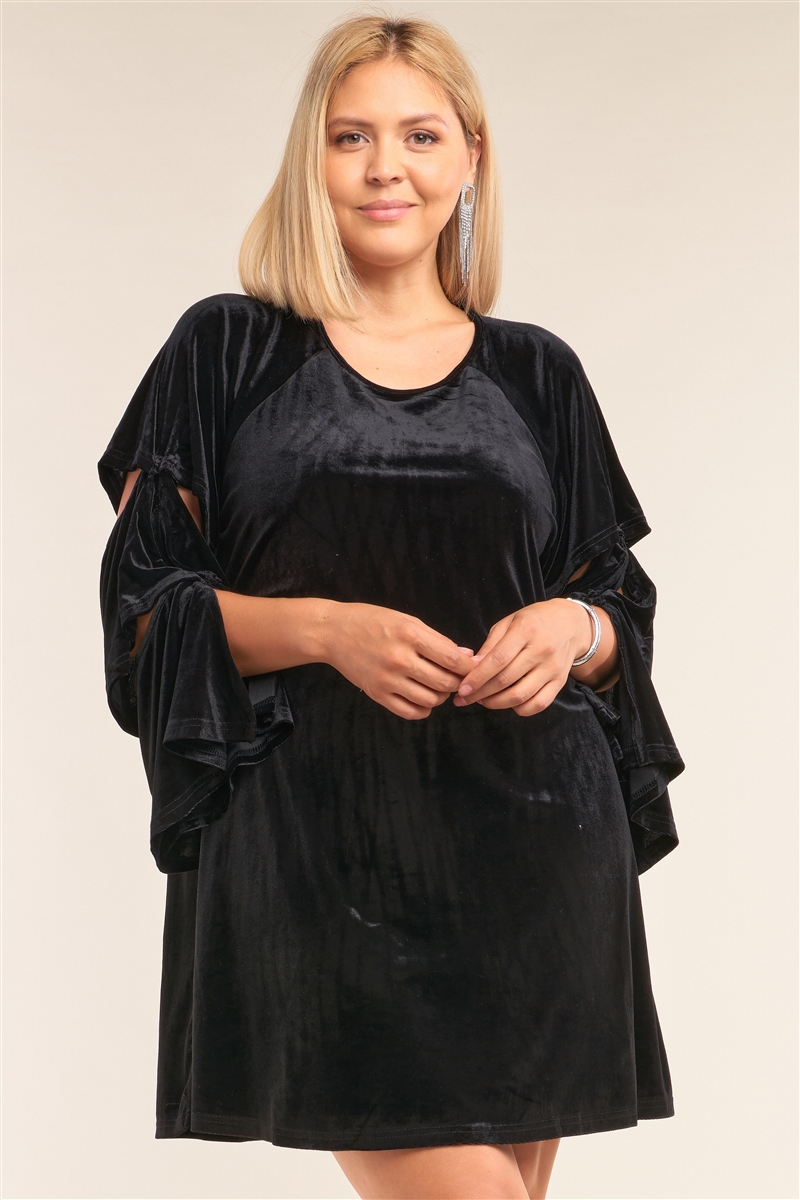 Junior Plus Size Juliet Black Velvet Relaxed Fit Cut-Out Detail Layered Long Sleeve Mini Dress /3-2-1