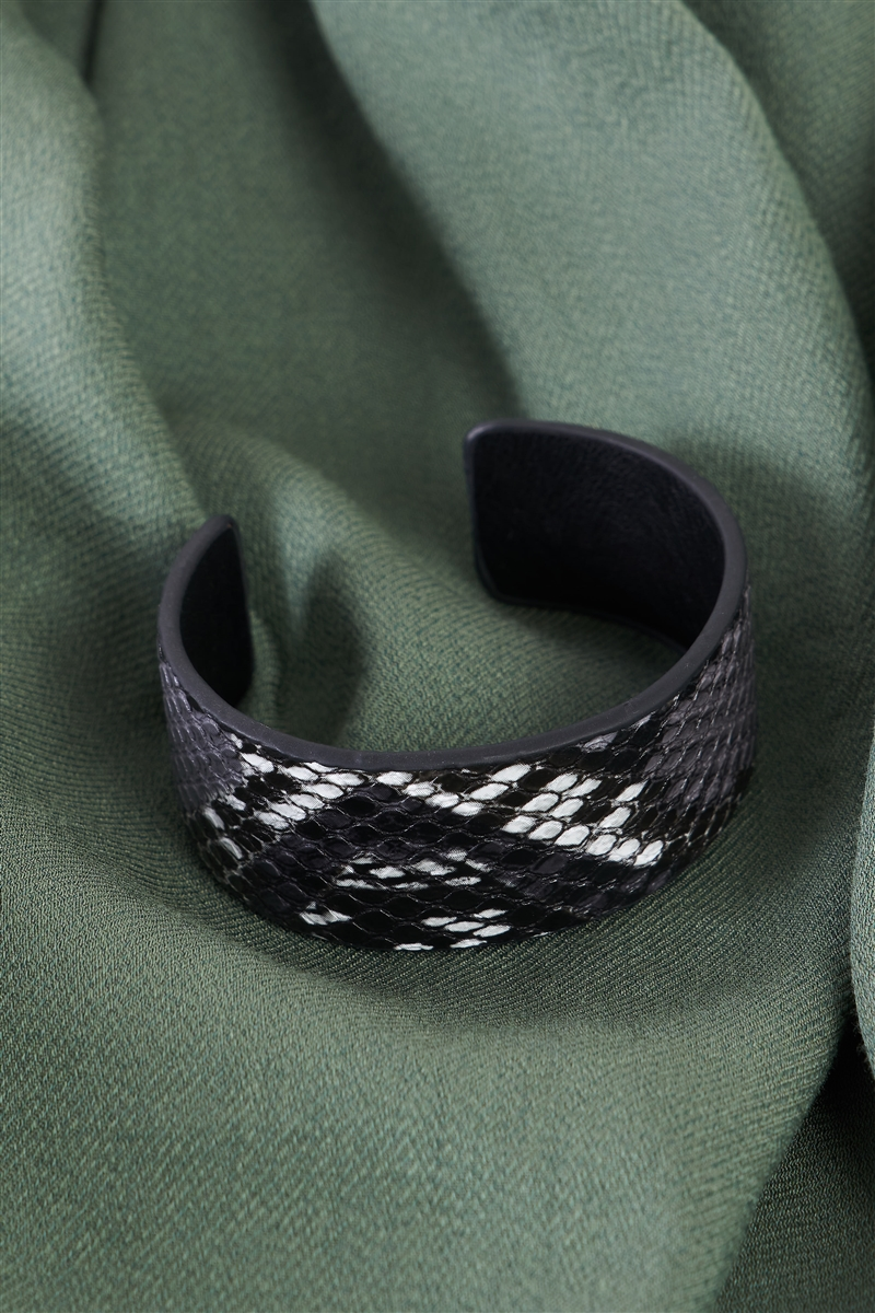 Black & White Vegan Snakeskin Open Wide Cuff Bracelet /6 Pieces