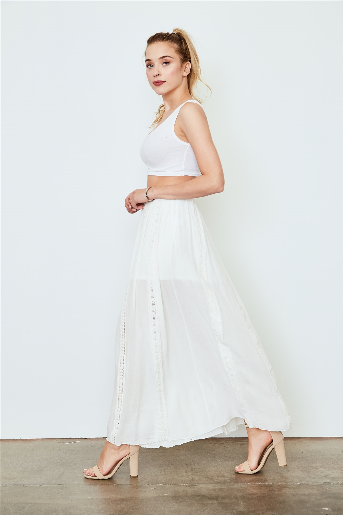 47bda2295bdf5 Off White Floral Lace Crochet Trim Maxi Skirt /2-3-2