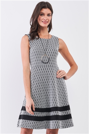 Black & White Diamond Print Round Neck Sleeveless Fitted Flare Mini Dress /2-3-2
