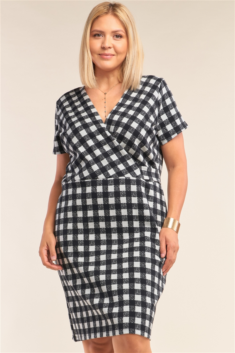 Junior Plus Size Black&White Checkered Fitted Wrap Deep Plunge V-Neck Dress