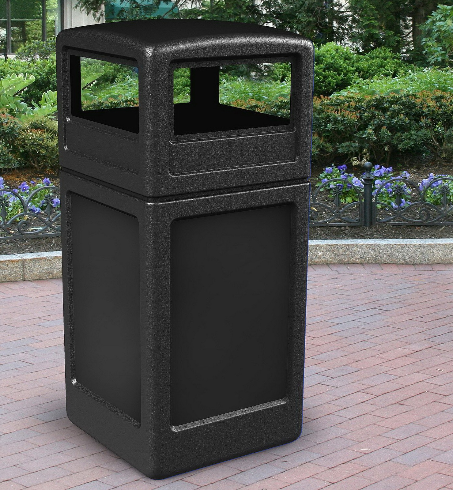 Black 38 Gallon Commercial Outdoor Trash Can Garbage Can Dome Lid