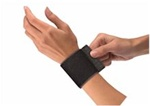 Mueller Elastic Wrist Support With Loop