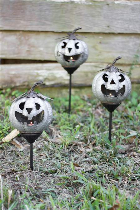 Set Of Three Metal Jack-O-Lanterns Yard Stakes
