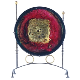 Pictured here is the Signature Red Gold Glass Charger with Iron Stand from Couleur