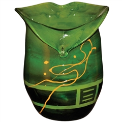Pictured here is the Iguana Green Heart Glass Vase from Couleur