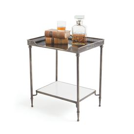 Freeman Sidetable