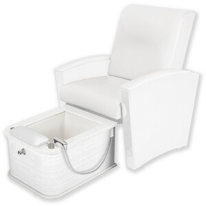 Mystia™ Manicure Pedicure Chair with Plumbed Footbath ()