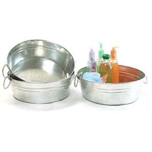 Galvanized Round Handled Tub with Hard Liner ()