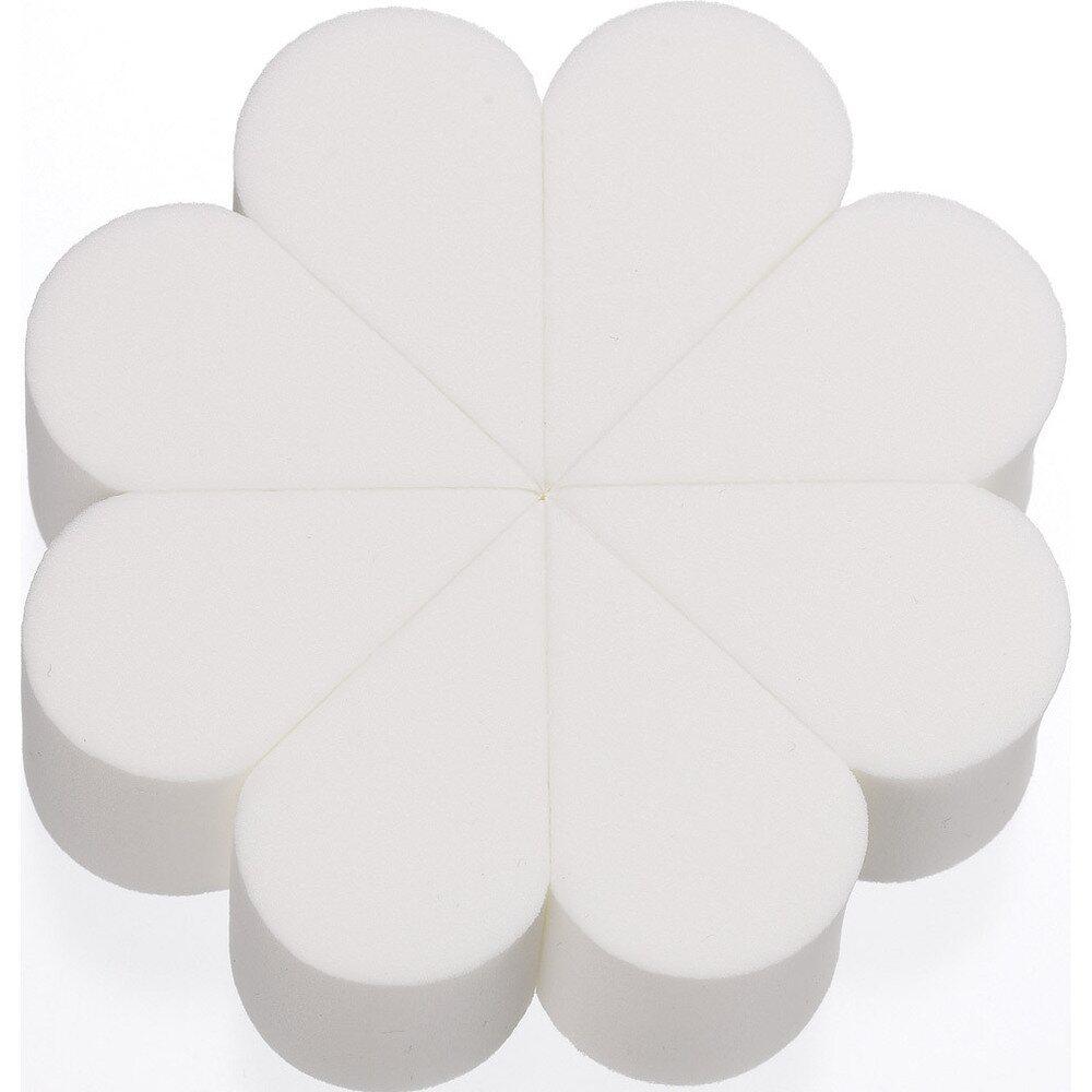 Polycotton Fabric Broadway White Floral Flowers Buds Petals Plants