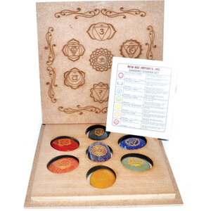 Sanskrit 7 Chakra Pyramid Set with Box (GWP204)