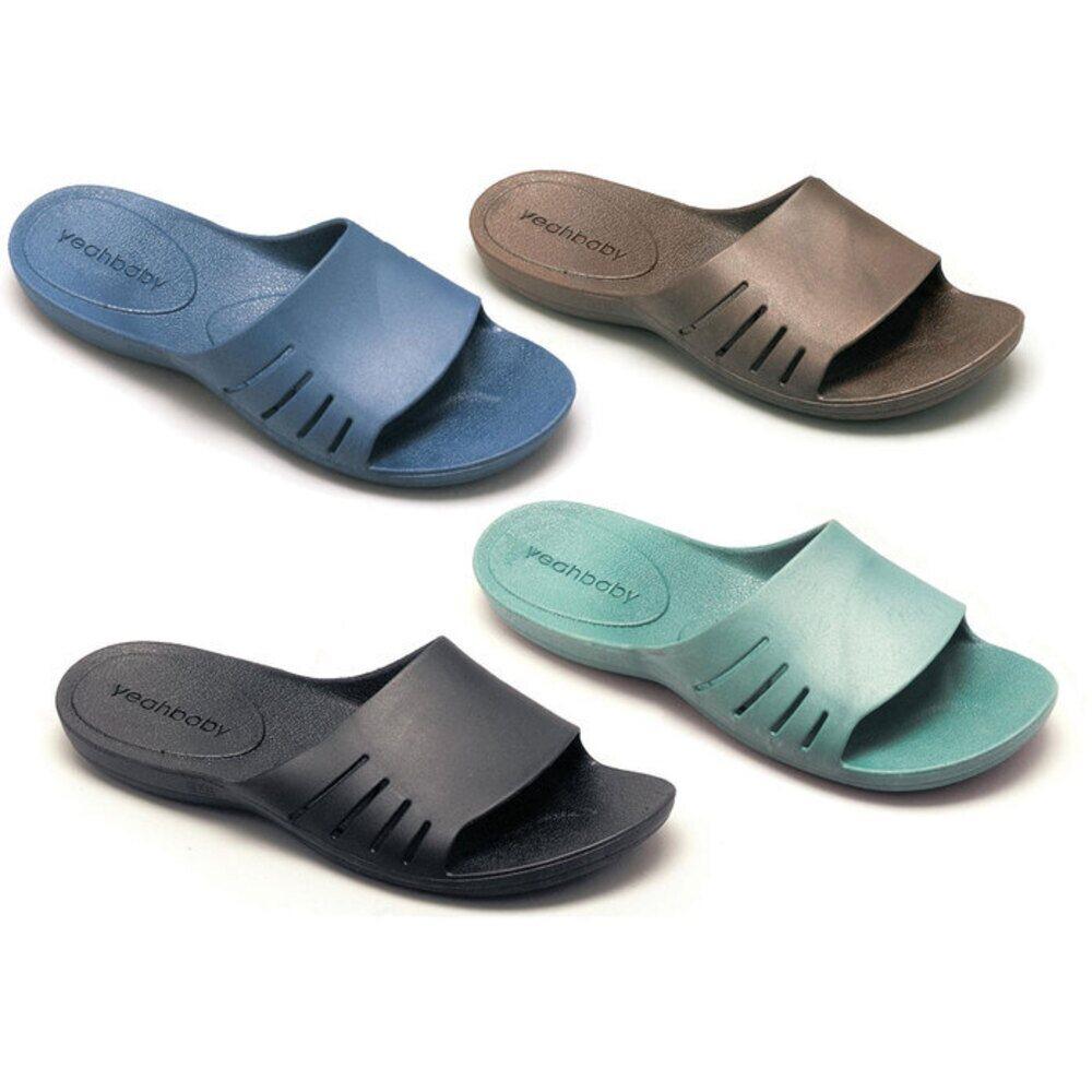 clarks spa flip flops black
