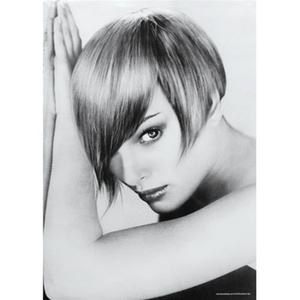 Woman with Straight Hair Poster (DB-797032)