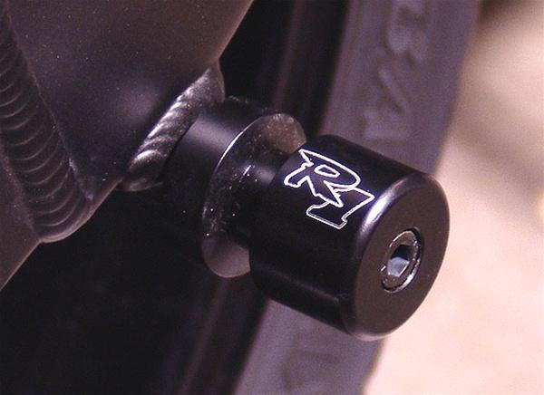 Yamaha R1 Sportbike Swingarm Spools Black