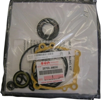 Suzuki SUZ-25700-99E00 Gear Case Seal Kit