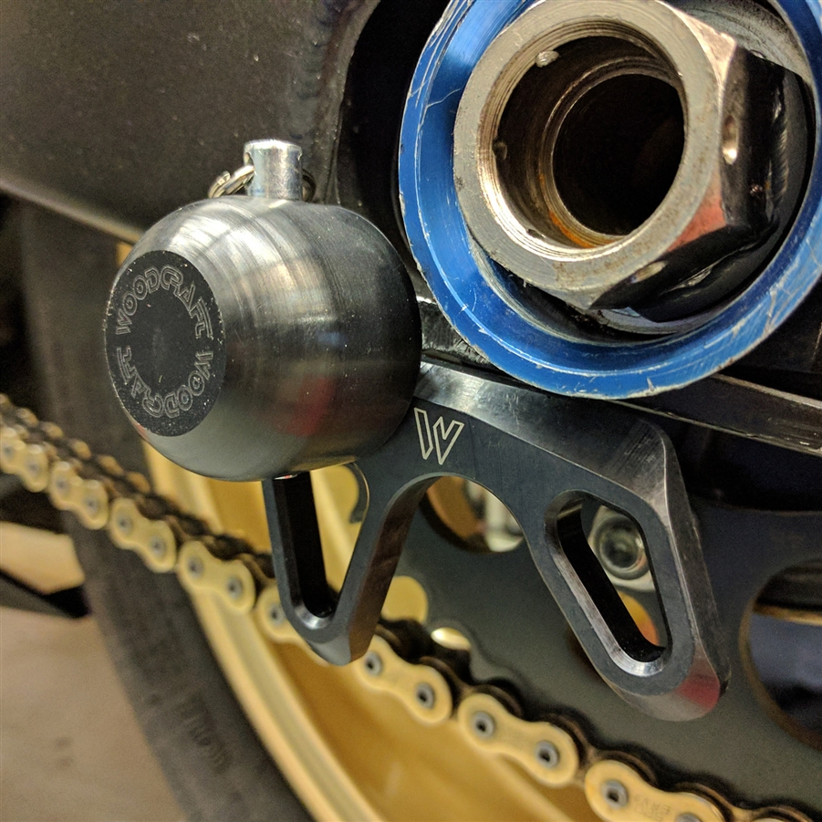 Black for 09-11 Kawasaki ZX6R WOODCRAFT Swingarm Spool Sliders