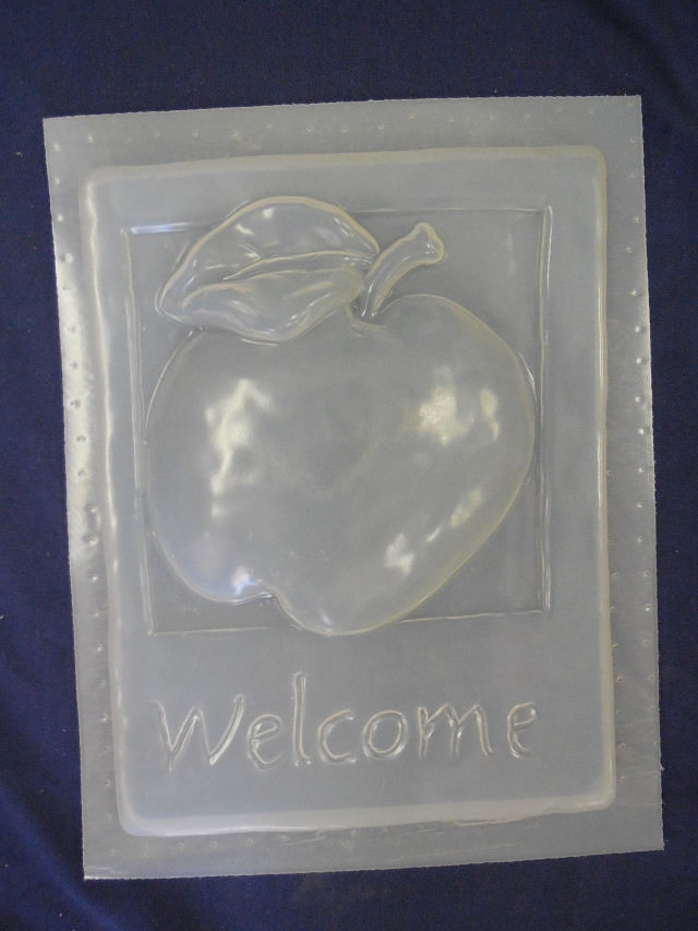 Plaster or Concrete Mold 7006 Moldcreations Peas Come In Welcome Plaque Cement