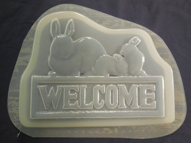 Welcome Rabbit Concrete Plaster Stepping Stone Mold 7260