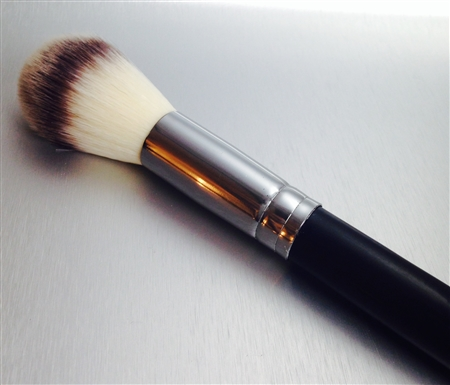 LOOSE POWDER BLENDING BRUSH