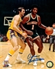 OSCAR ROBERTSON SIGNED 8X10 BUCKS PHOTO #5