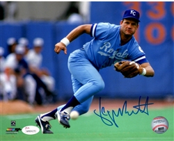 GEORGE BRETT SIGNED ROYALS 8X10 PHOTO #1