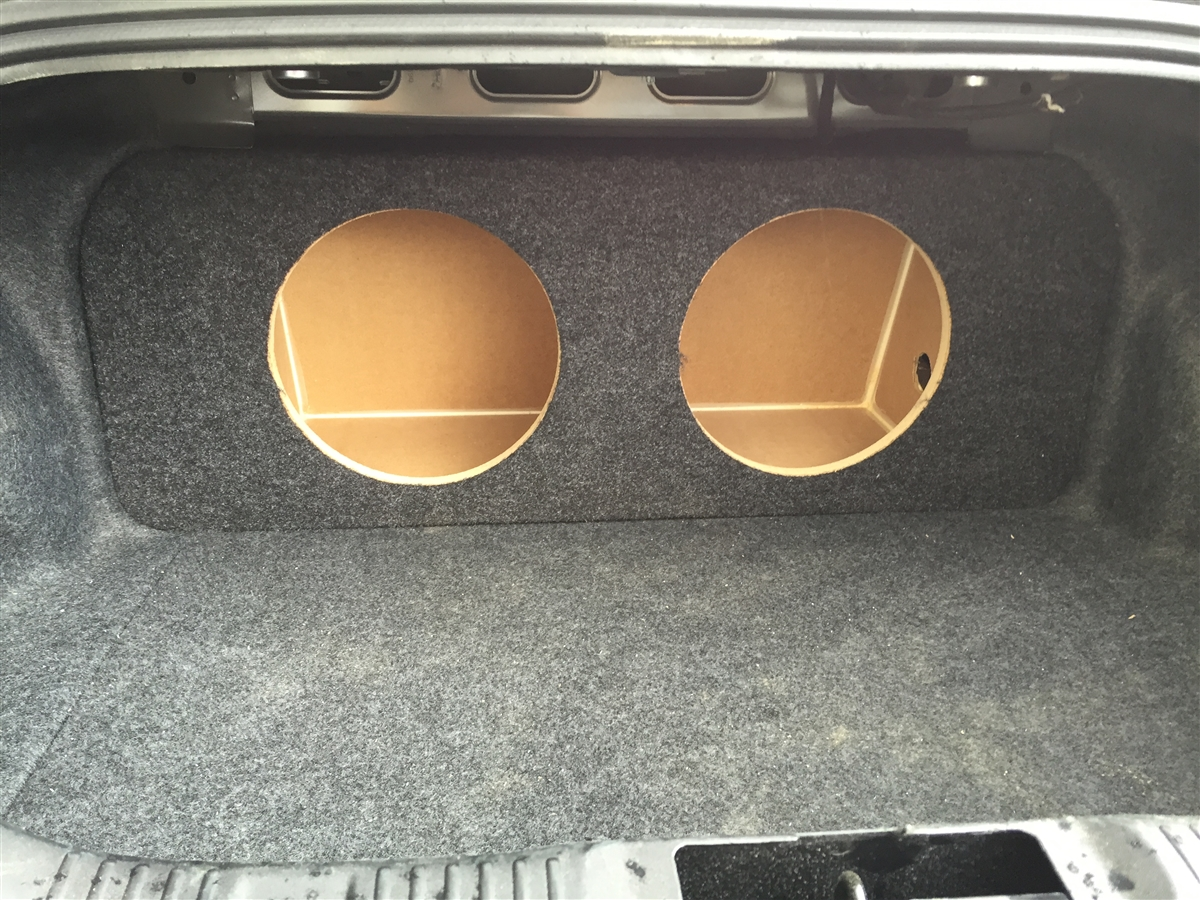 Ford Mustang Coupe 2015-2016 Single / Dual Subwoofer Box (version 1)