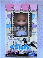 Heart of Montmartre Neo Blythe Doll with colored box