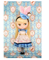 Middie Blythe Shop Limited Pebble Cake & Shrinking Alice Doll