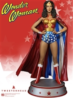 Wonder Woman Season 1 Lynda Carter with Cape Variant Maquette Statue