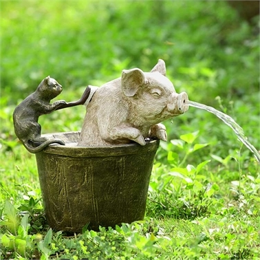 Bathtime Garden Spitter (Cat and Pig) Lawn and Yard Decorations