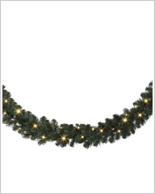 18 Foot Mountain Mixed Pine Wreaths and Garlands with Clear Light