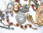 Wholesale Costume Jewelry Closeouts