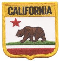 1205 - CALIFORNIA medium flag shield souvenir or uniform embroidered patch