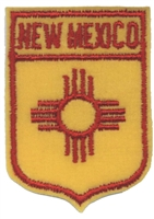 2551 - NEW MEXICO small flag shield uniform or souvenir embroidered patch