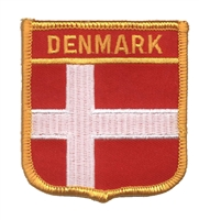 6181 - DENMARK medium flag shield souvenir embroidered patch